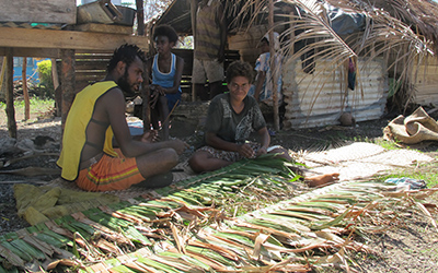 producing thatched roofs